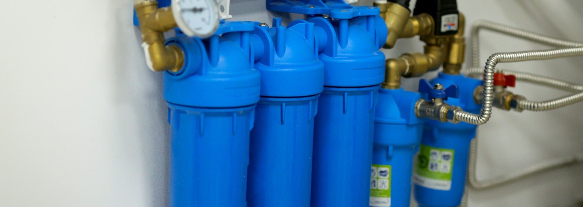 under-sink-water-filter-system-in-a-hospital-picture-id1172864559-min