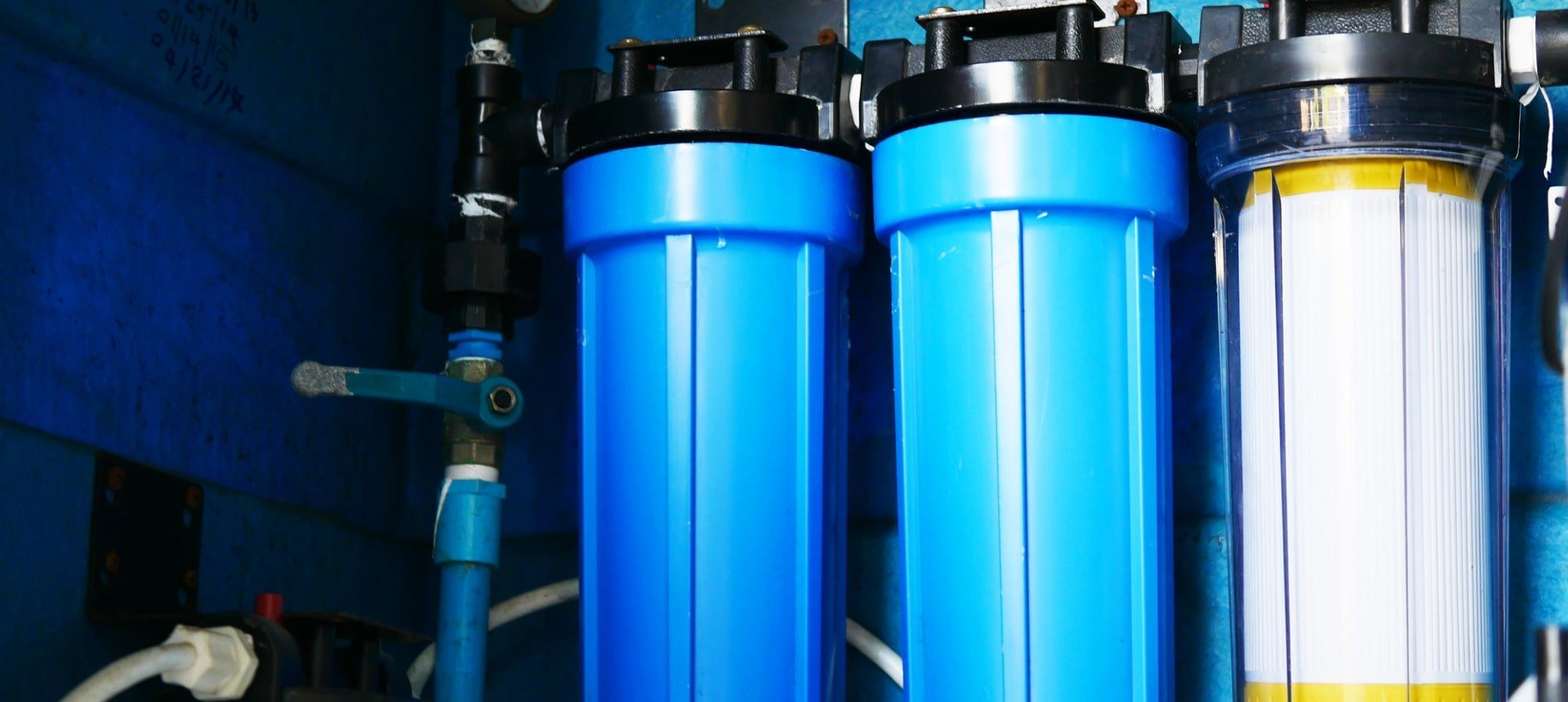 water-filter-cartridge-picture-id1062918632-min