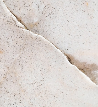 closeup-surface-cracked-marble-floor-texture-background-picture-id919468194-min