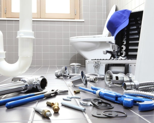 plumber-tools-and-equipment-in-a-bathroom-plumbing-repair-service-picture-id944254364-min