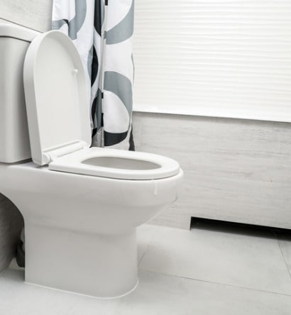 white-toilet-bowl-in-bathroom-picture-id1218082451-min